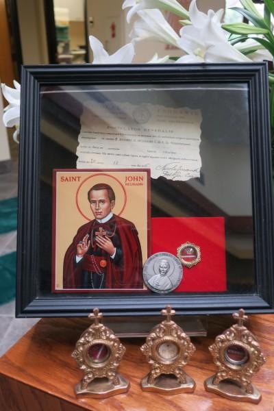 Saint_John_Neumann_relics_Saint_John_Neumann_Church_Cincinnati_Ohio.jpg