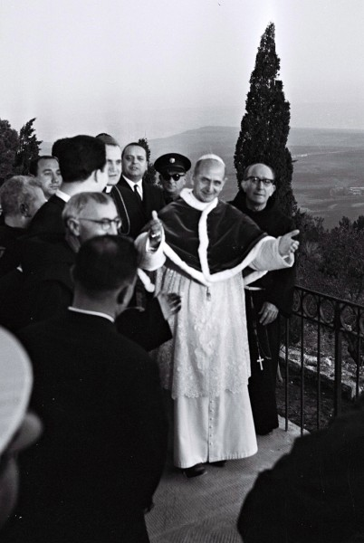 Pope_Paulus_VI_on_Mount_Tabor.jpg