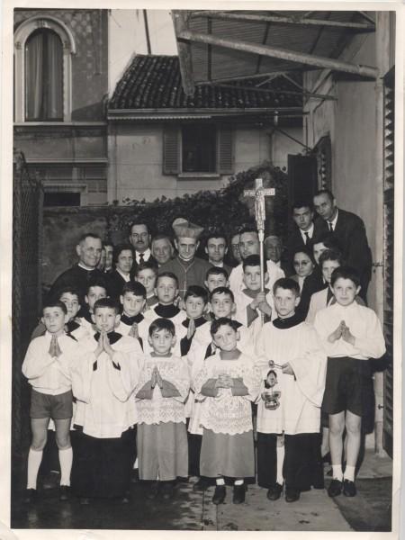 Visita_pastorale_a_San_Fruttuoso_del_Cardinale_Montini_nel_1960.jpg